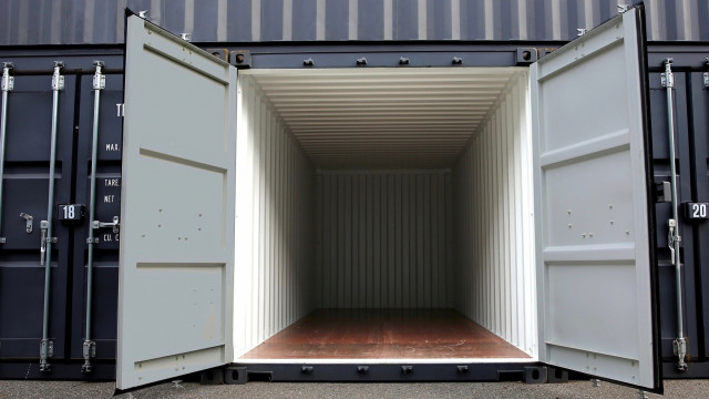 container pas cher bresles 7m box acc s direct black kube beauvais. Black Bedroom Furniture Sets. Home Design Ideas
